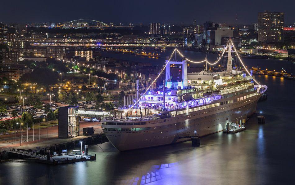 Het cruiseschip ss Rotterdam in Rotterdam Katendrecht van MS Fotografie