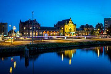 Station Groningen bij nacht (kleur) van Klaske Kuperus