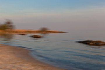 Strand aan het IJsselmeer van Jolanda Sprokholt