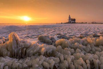 Winter vuurtoren Marken sur