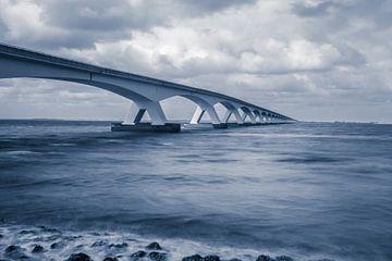 Die Zeelandbrücke, die die Fantasie anspricht von Gerry van Roosmalen