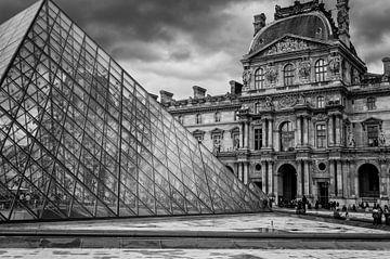 Ein Blick auf den Louvre - Paris von Michael Bollen