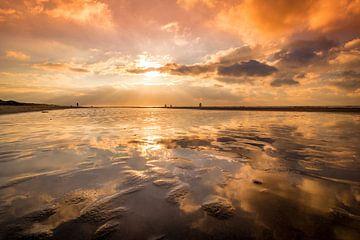 reflectie in zee van peterheinspictures