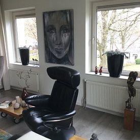Klantfoto: Portret  van een  vrouw van Pam du Pau, op canvas