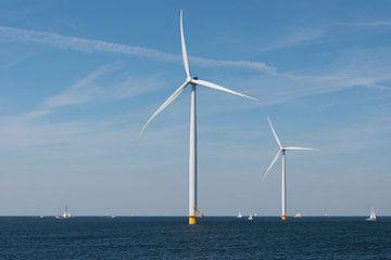 Windmolenpark in het water           van Tonko Oosterink