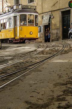 Tram in Lisbon sur Eddie Smit