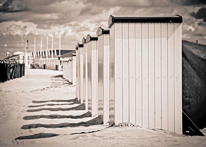 Strand cabines in katwijk van Dirk van Egmond