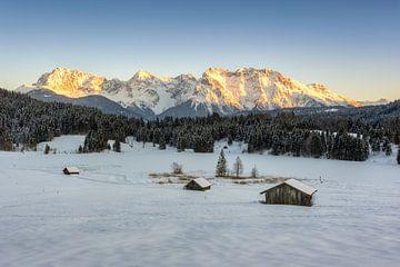Alpenglühen am Karwendel von Michael Valjak