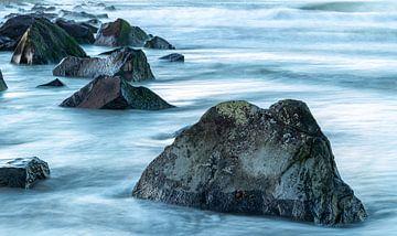 Rotsen in zee van Yormen Gerrits