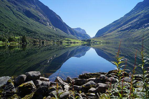 Wunderschöner See bei Hellesylt