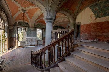 escaliers abandonnés sur