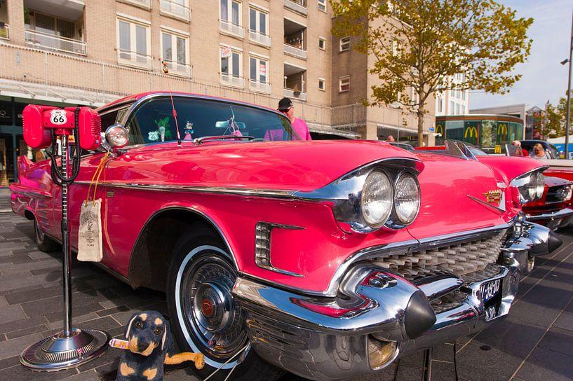 Cadillac Pink van Brian Morgan