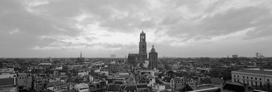 Panorama: Utrecht, Skyline met de prachtige Dom  van Origami Art