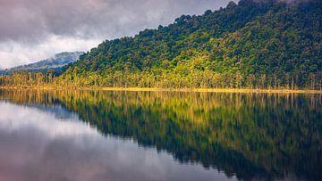 Ochtendlicht bij Lake Wahapo van Henk Meijer Photography