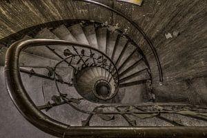 Treppenhaus in verlassenem Hotel