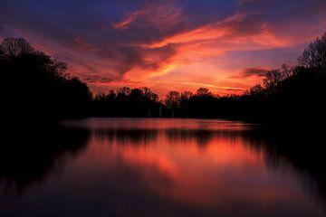 Atemberaubender bunter Sonnenuntergang. von Retinas Fotografie
