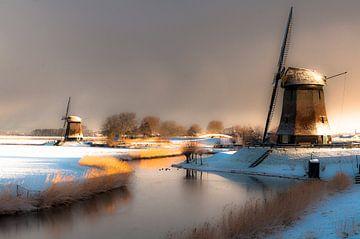 Winterdag bij de poldermolens van Marc Hollenberg