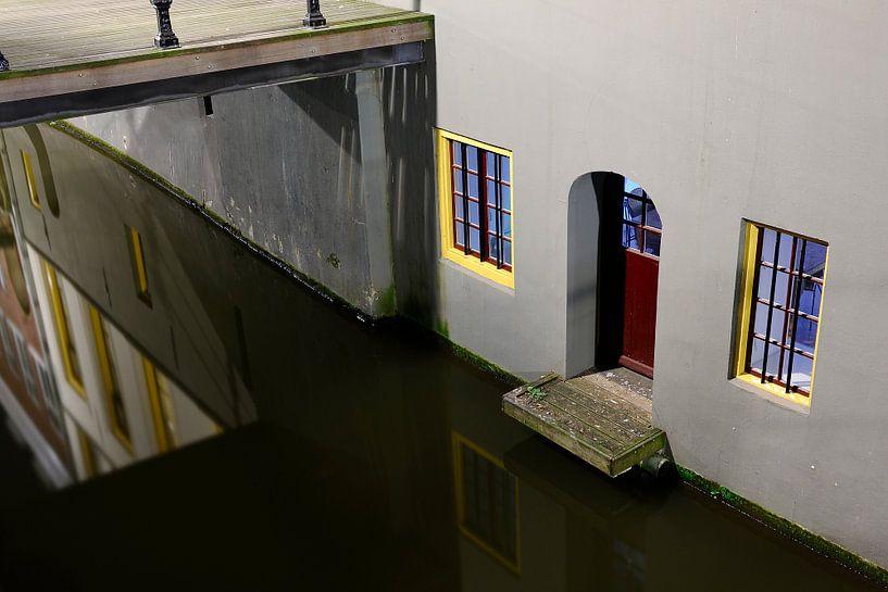 Kromme Nieuwegracht 39 in Utrecht  van Donker Utrecht