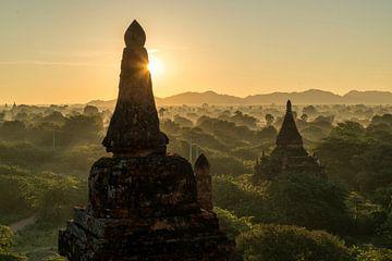 Bagan, Myanmar, Azië van Peter Schickert