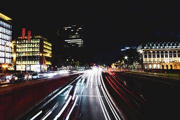 Langzeitaufnahme des Verkehrs in Brüssel von Scarlett van Kakerken