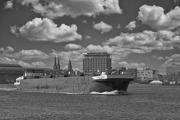 Binnenvaartschip op het IJ