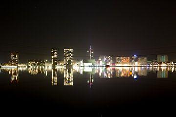 Almere bij nacht van view photo