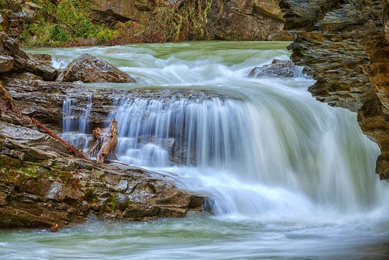 Waterval in de Johnston Canyon van Menno Schaefer
