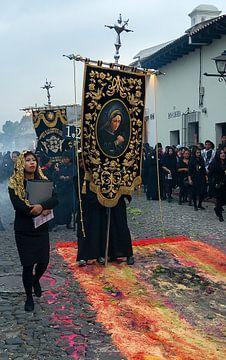 Guatemala: Paasprocessie (Antigua) van Maarten Verhees