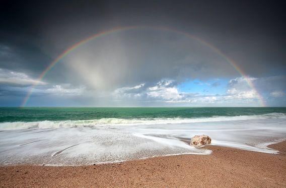 Glowing rainbow van  Olha Rohulya
