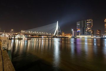 Ligne d'horizon de Rotterdam Pont Erasmus sur Maikel Saalmink