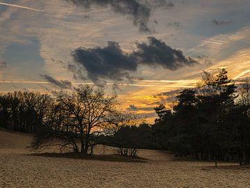 Coucher de soleil sur Bedaf sur Moniek van Rijbroek