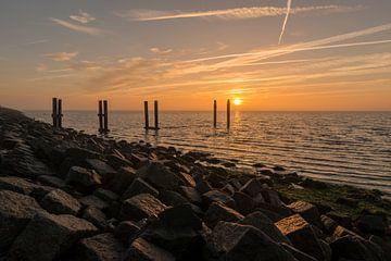Zonsopkomst boven de Waddenzee vanaf de dijk van Terschelling van Tonko Oosterink