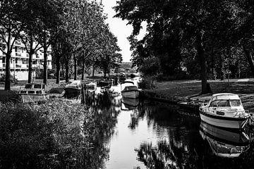 Boote auf dem Wasser von Samira Uddin
