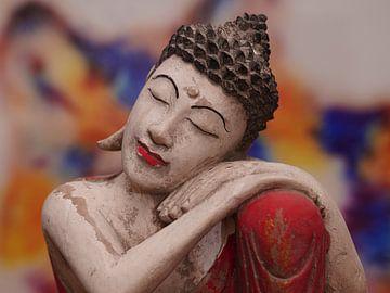 Inspirerende Boeddha ingezoomd in kleurenpracht van Excellent Photo