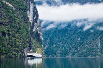 Geirangerfjord in Norway van Rico Ködder