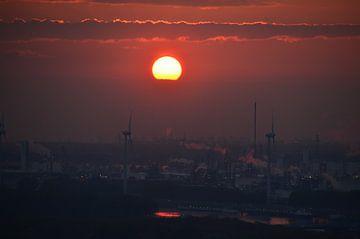 Sunset over Rotterdam van Marcel Schouten