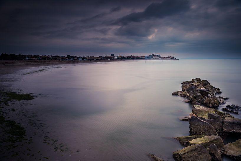 Grado vom Strand aus van Hannes Cmarits