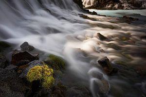 Waterval met mos