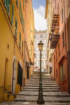 0007 Straatje in Bastia op Corsica van Peter de Jong
