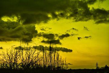 Gelber Mysterienhimmel von JM de Jong-Jansen