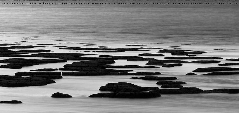 Waddenkust Stilleven in zwart wit van Waterpieper Fotografie