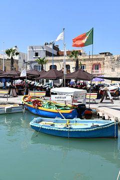 Malta - Boten in de haven van Marsaxlokk van Robert Styppa