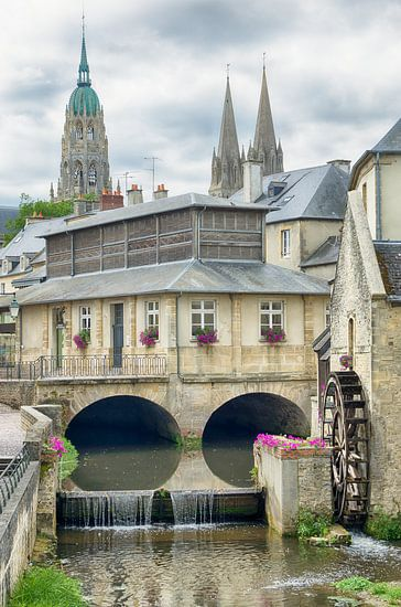 Stadsgezicht Bayeux met een watermolen