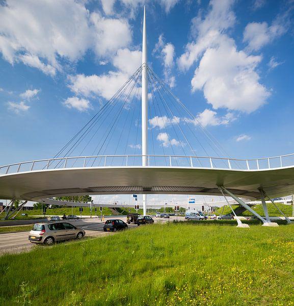 Fietsbrug Hovenring, Eindhoven. von Hennnie Keeris