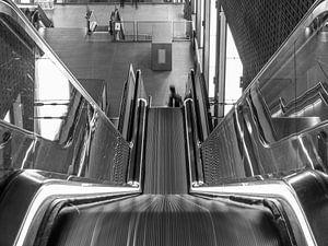 Centraal station Antwerpen Roltrap in beweging van Ben Graus