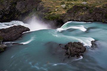 Lange opname van waterval in Chili van Shanti Hesse