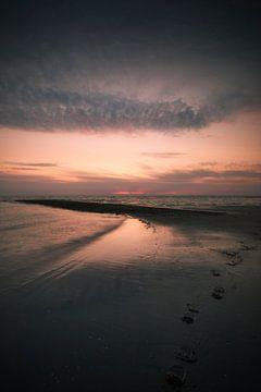 Ein gedämpfter Sonnenuntergang von Bob Daalder