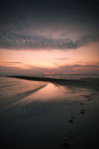 A subdued sunset van Bob Daalder