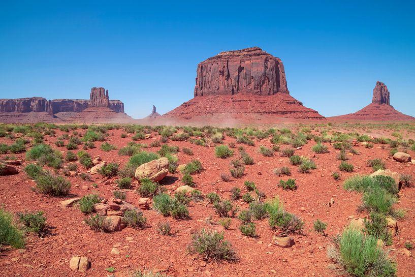 MONUMENT VALLEY Sentinel Mesa, West Mitten Butte, Merrick Butte van Melanie Viola