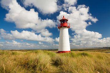 Cumuluswolken bij List West vuurtoren op Sylt van Markus Lange